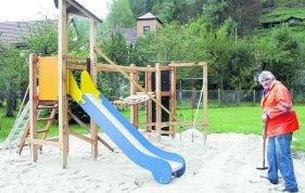 Klettergerüst Wehrfritz : Pottenstein: stadt pottenstein investiert 6000 euro für die kinder