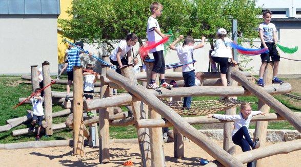 Klettergerüst Russisch : Erlangen klettergerüst für grundschule frauenaurach