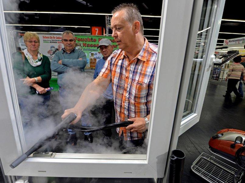 Nürnberg: Promis und viele Besucher auf der Consumenta 2014 - Bild ...
