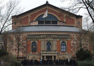 Bayreuth kontakte Facts &