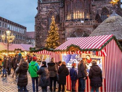 Müller Weihnachtsdeko.Dr Sven Müller Väterchen Frost Hauptmarkt Budenplan