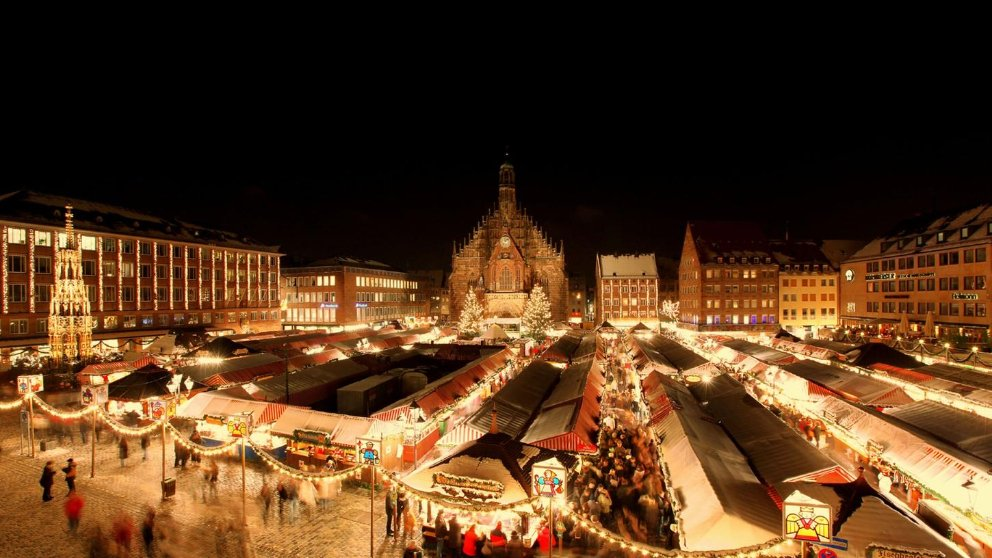 View over the Nuremberg Christkindlesmarkt at night